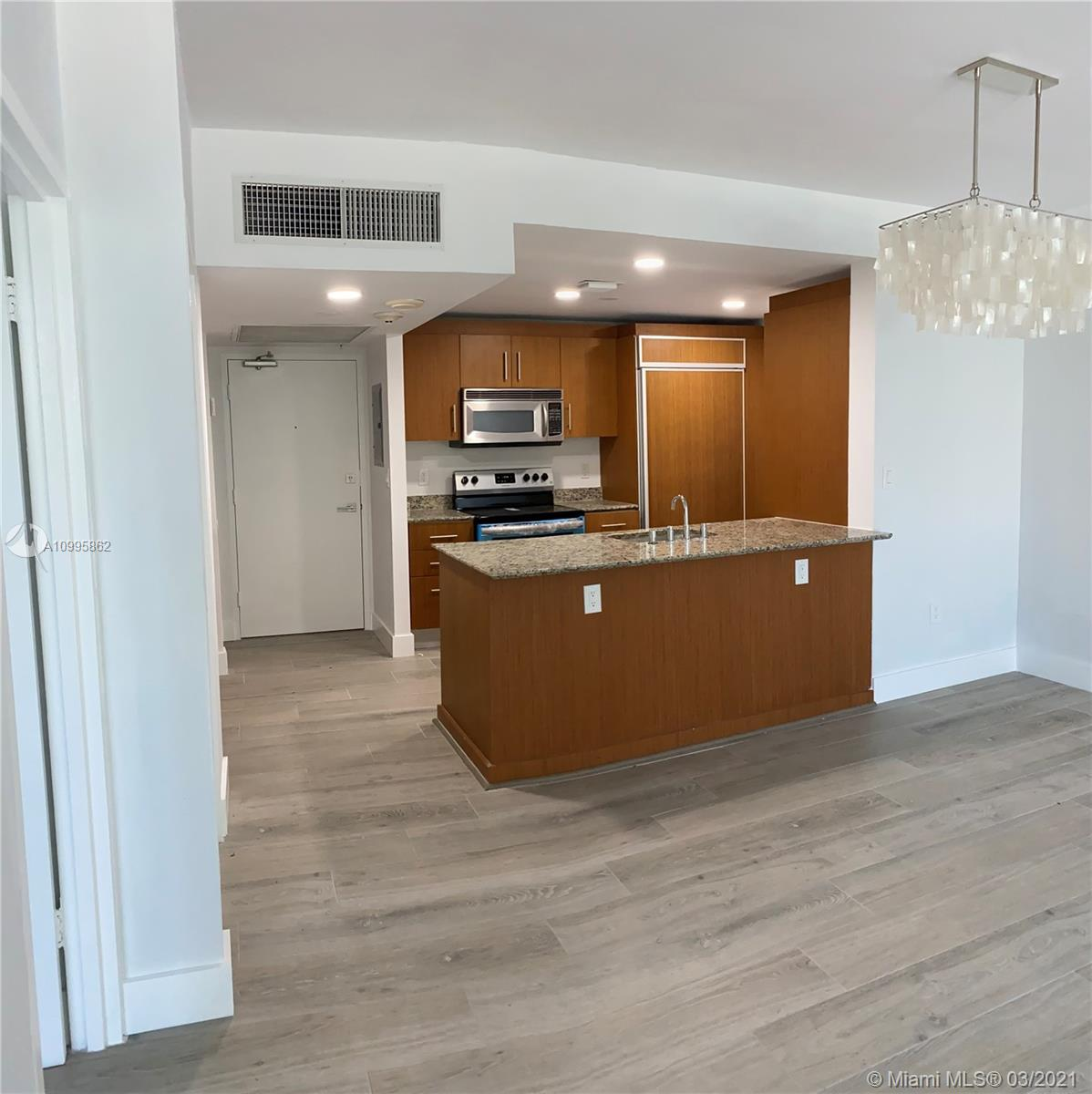 10275 Collins Ave #224 photo02