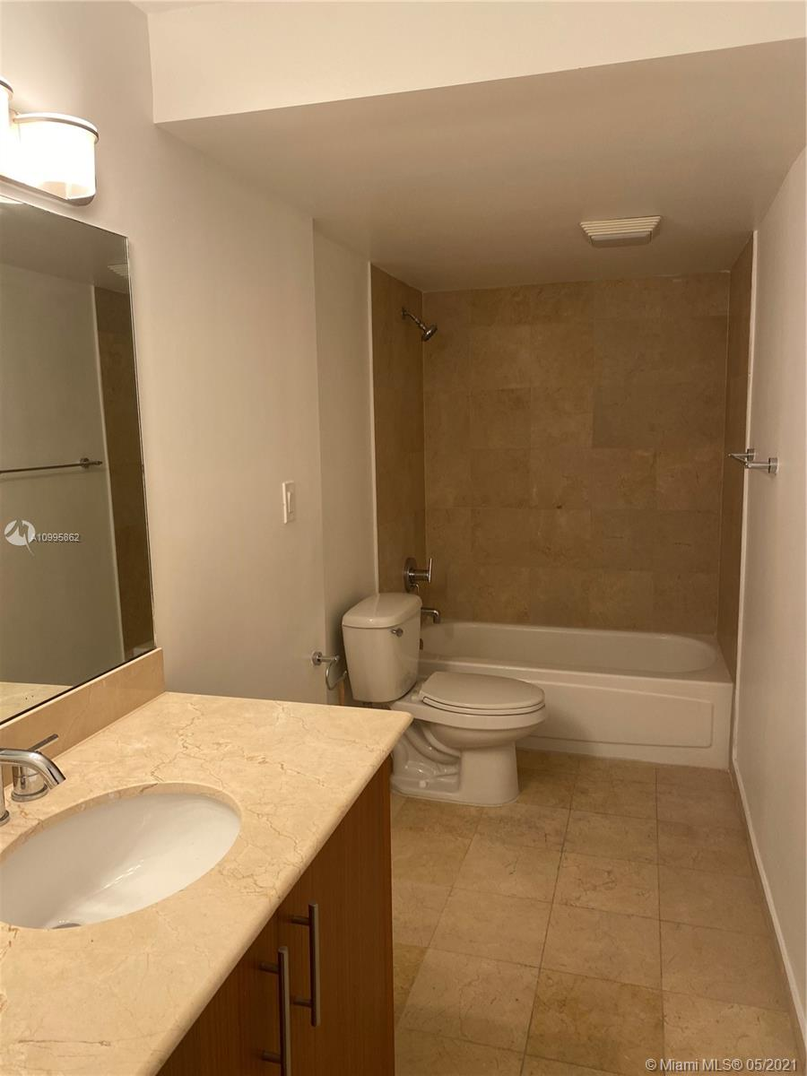 10275 Collins Ave #224 photo08