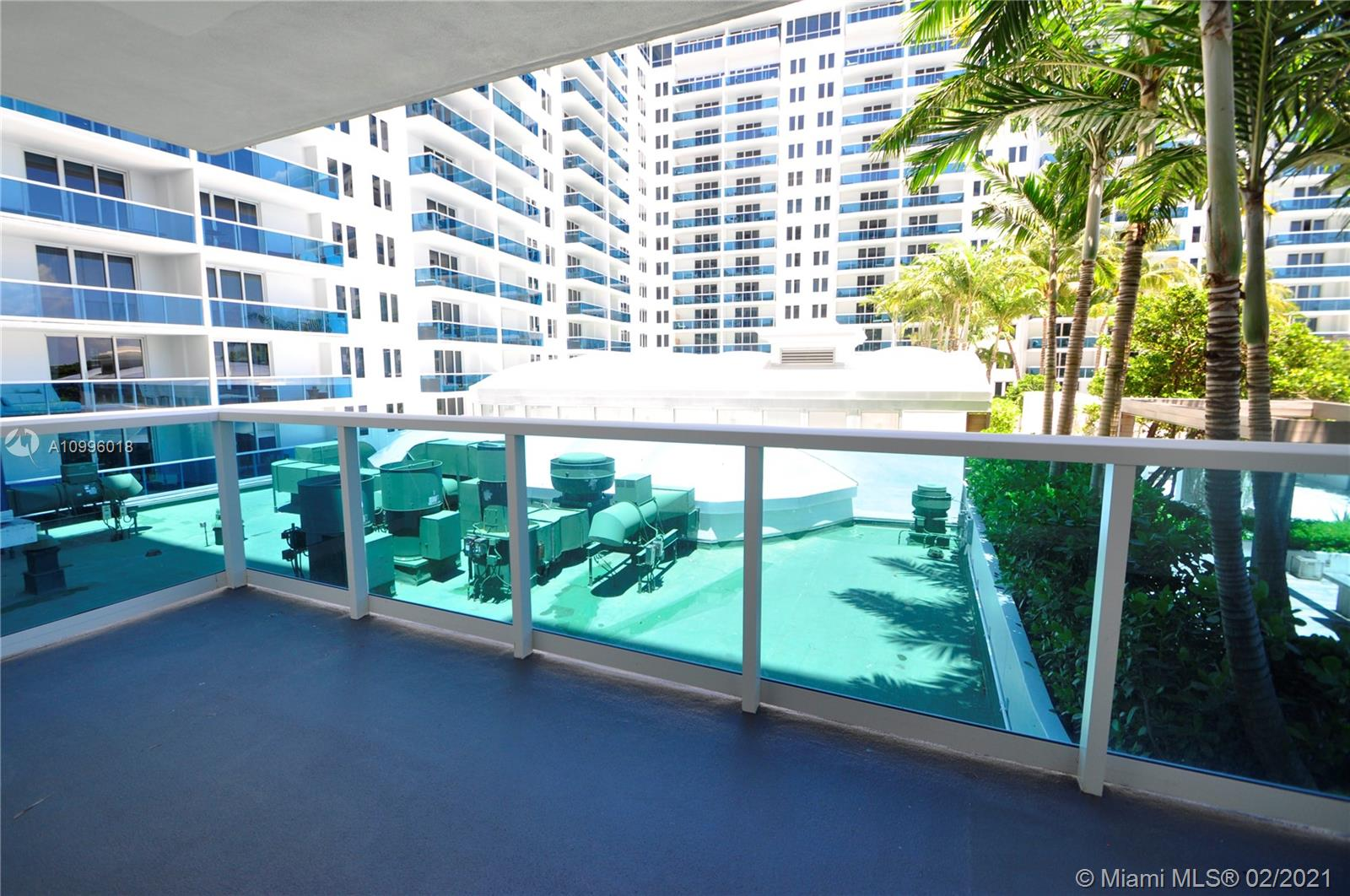 2301 Collins Ave #419 photo042
