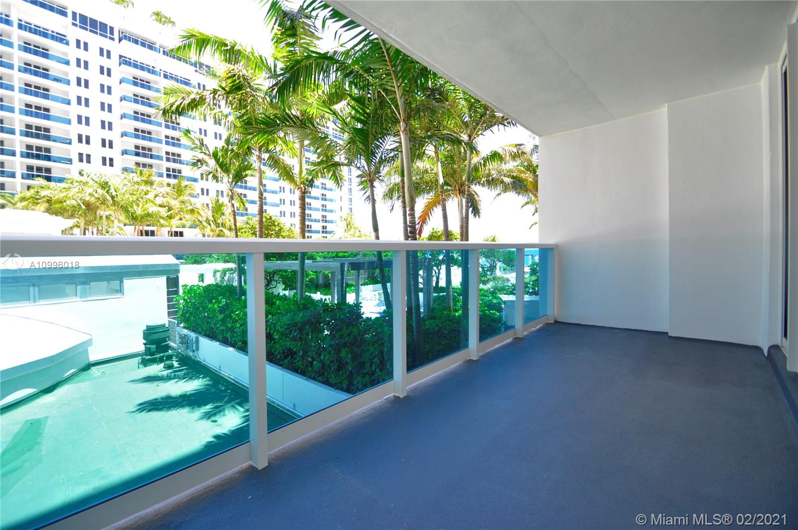 2301 Collins Ave #419 photo045