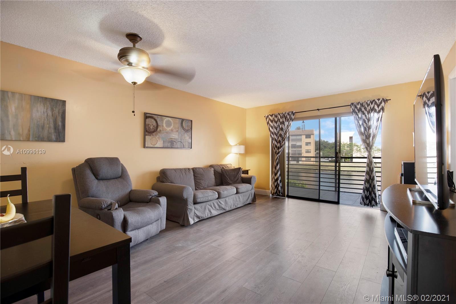 Property for sale at 10467 Sunrise Lakes Blvd Unit: 202, Sunrise,  Florida 33322