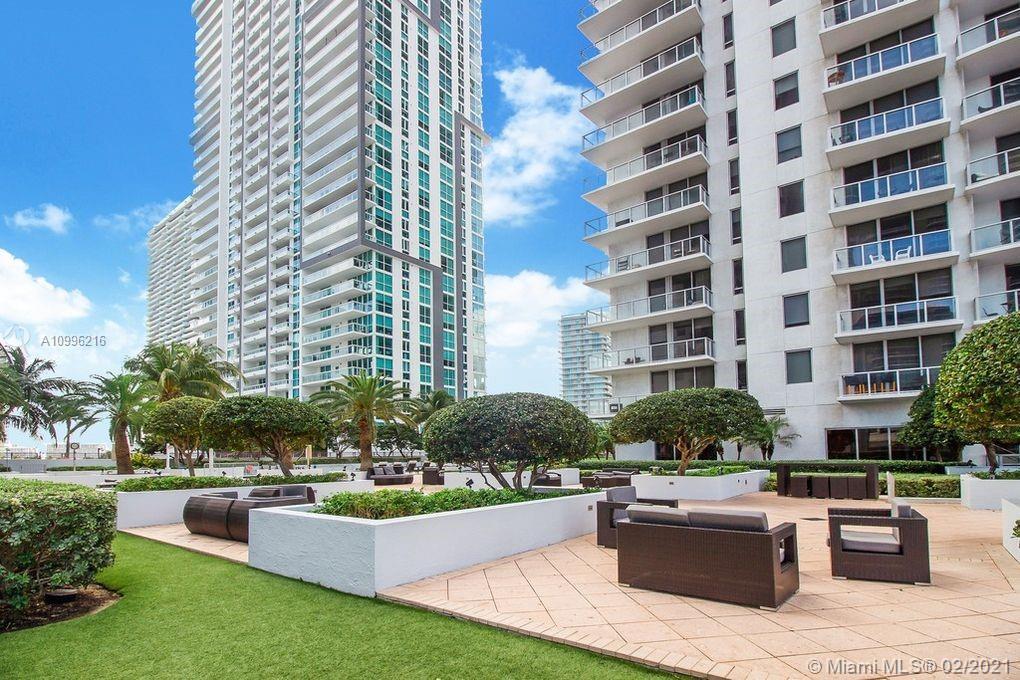 1060 Brickell East Tower #1004 - 1050 Brickell Ave #1004, Miami, FL 33131