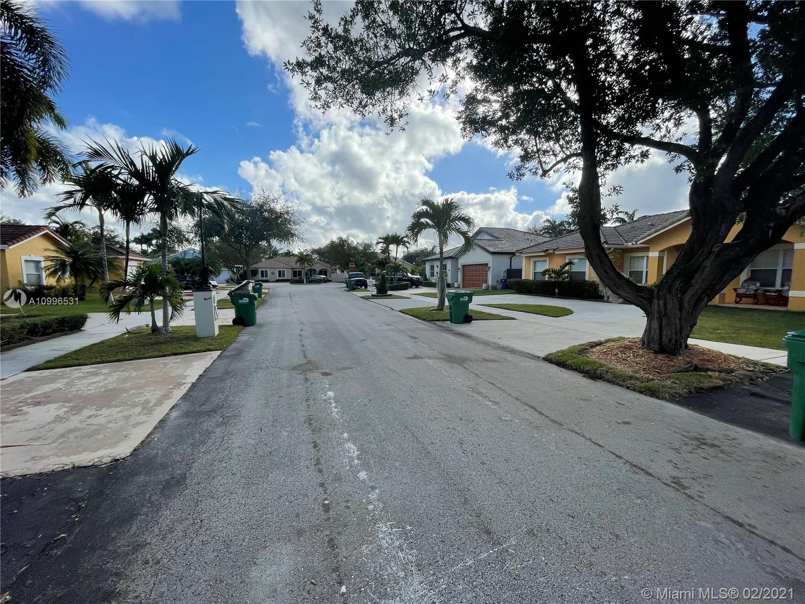 Miami Lakes # - 03 - photo