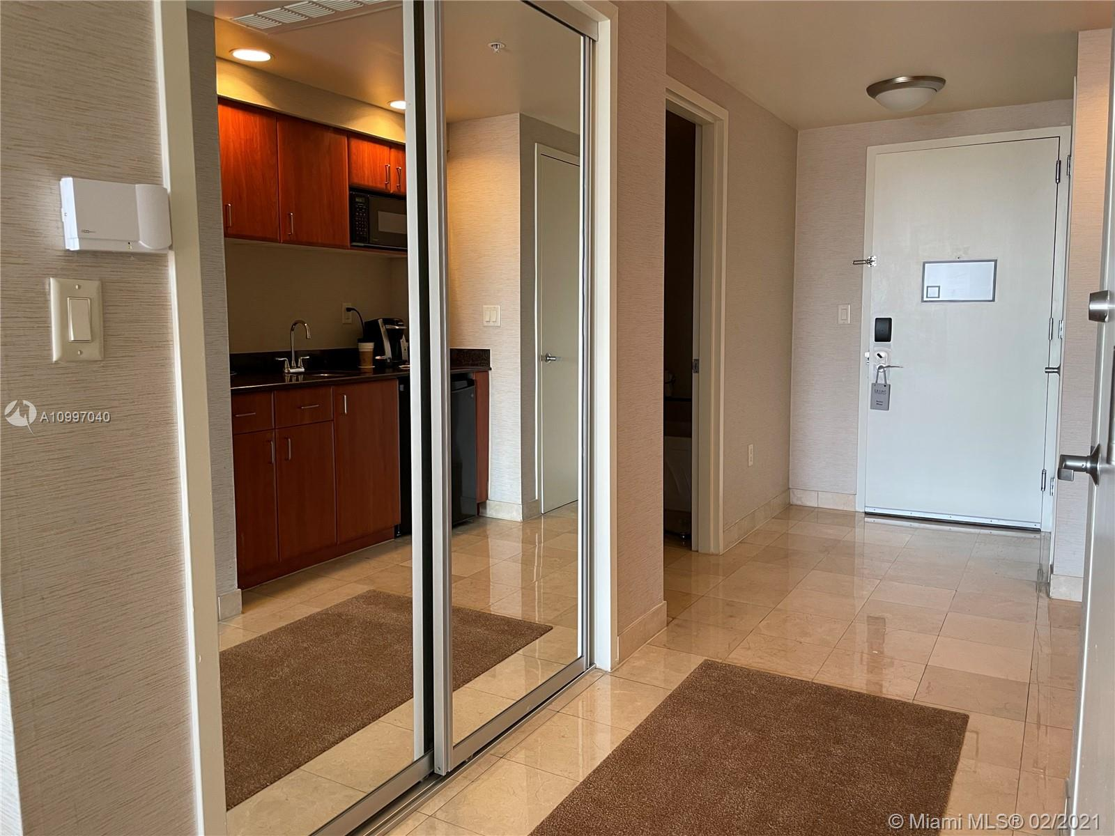 18001 Collins Ave #917 photo018