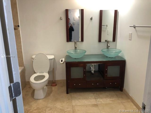19390 Collins Ave #514 photo011