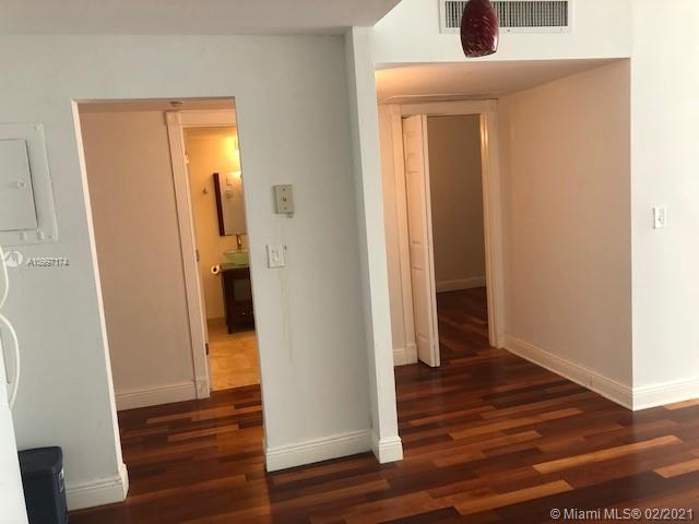 19390 Collins Ave #514 photo04
