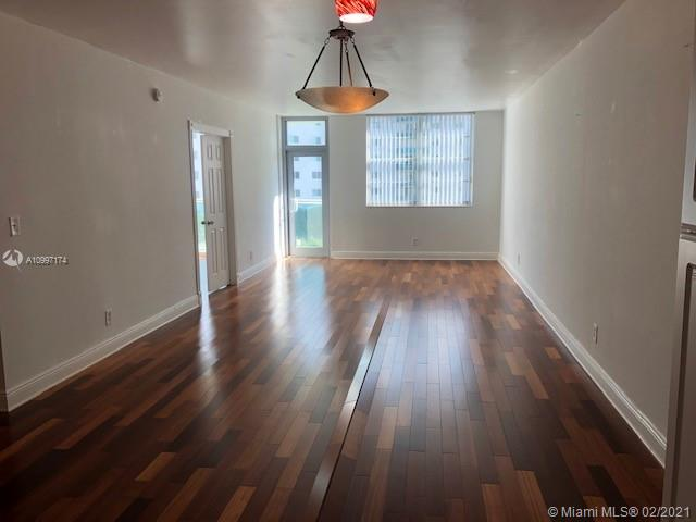 19390 Collins Ave #514 photo08