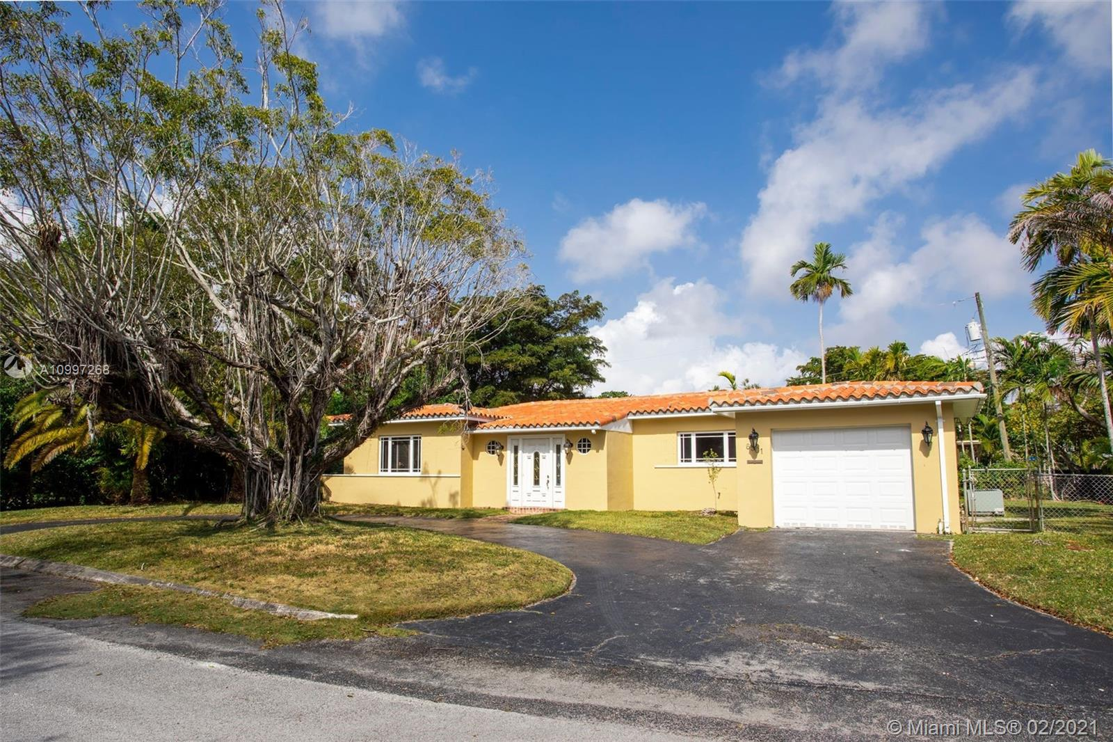 South Miami - 6501 SW 65th Ter, South Miami, FL 33143