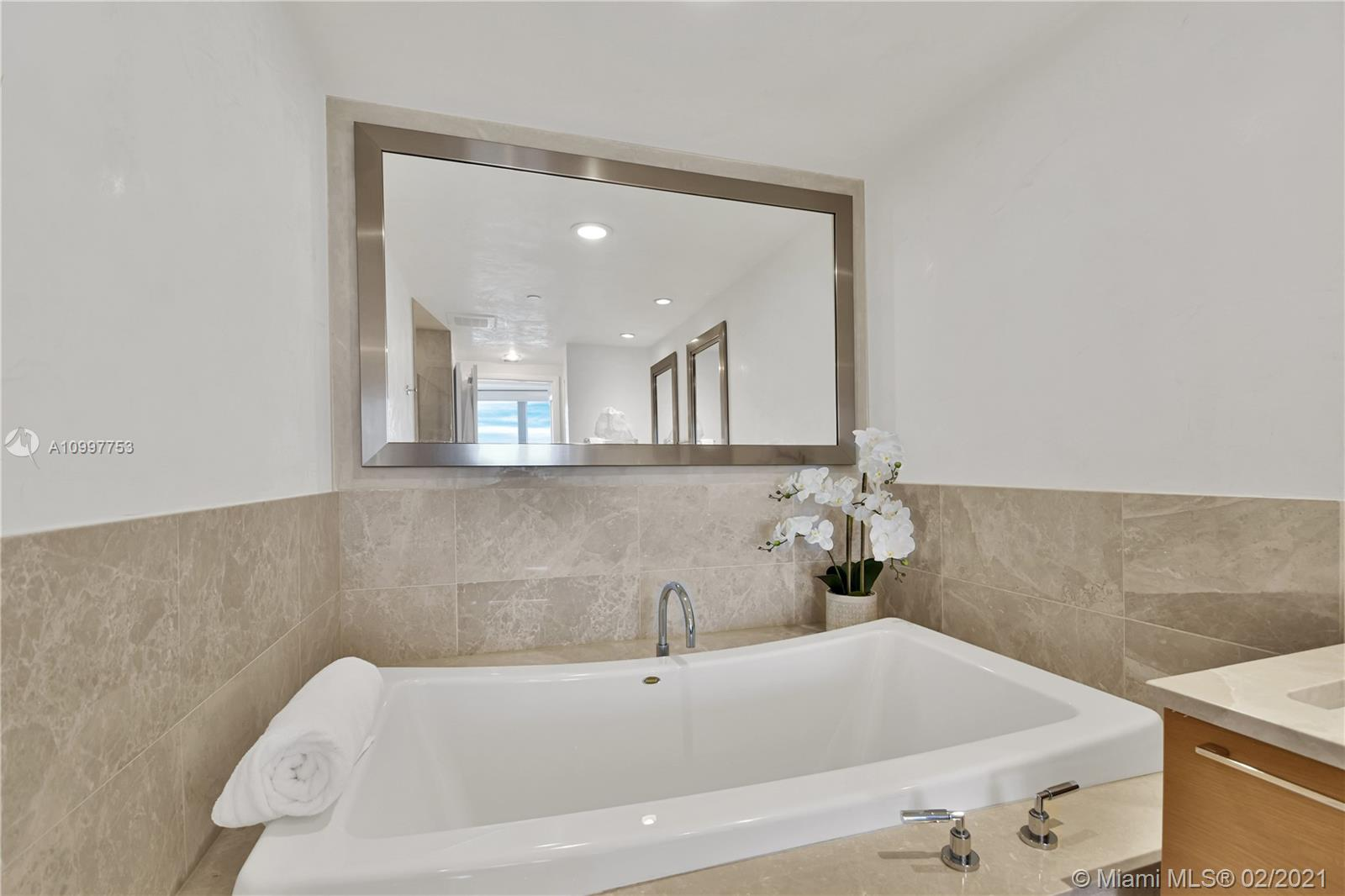 17001 Collins Ave #1103 photo026
