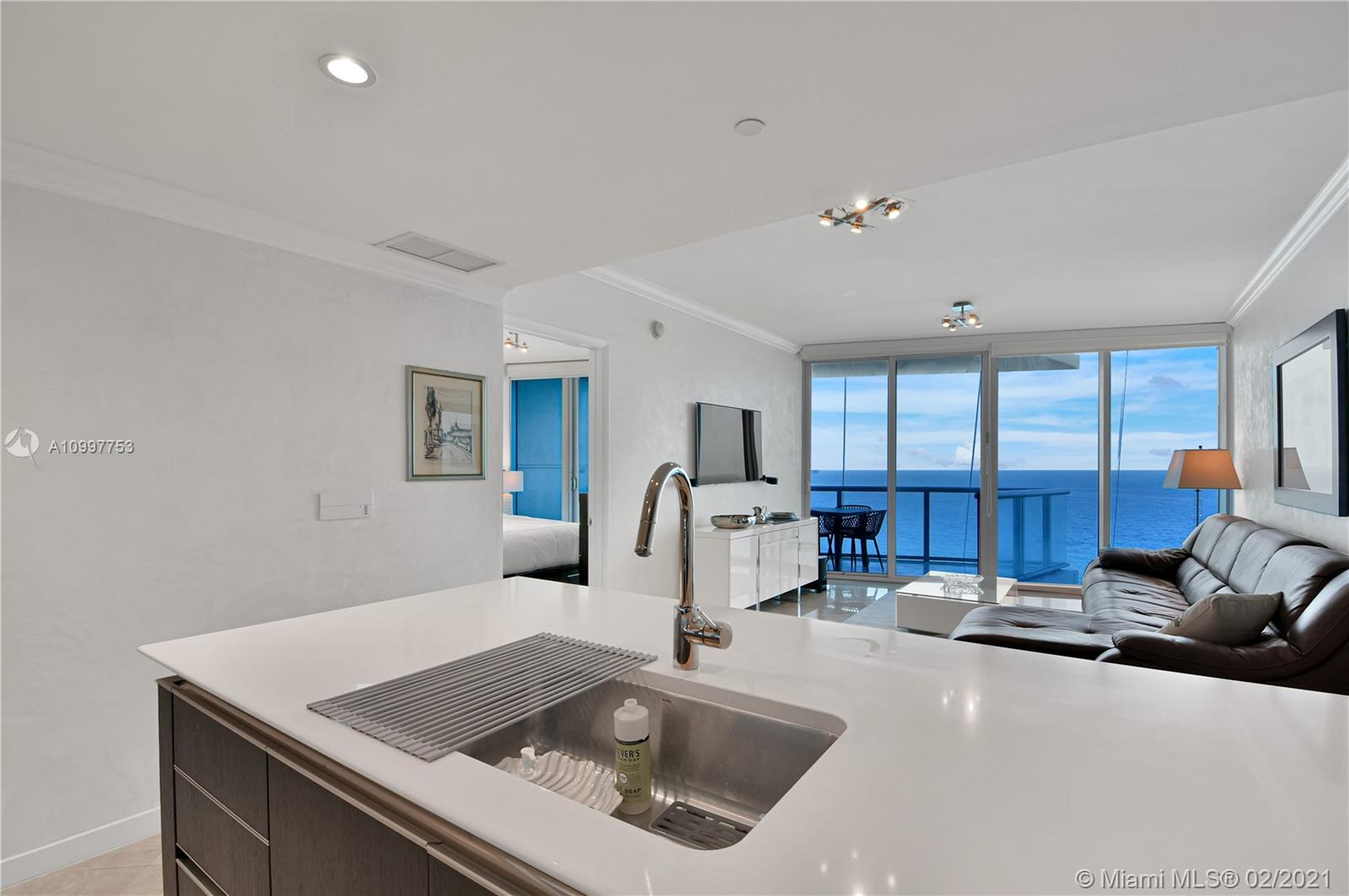 17001 Collins Ave #1103 photo05
