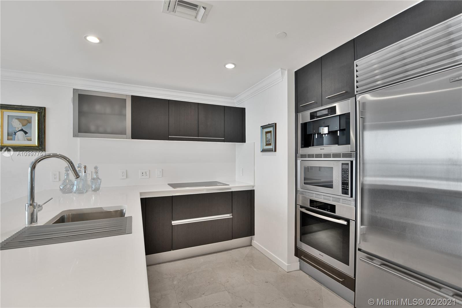 17001 Collins Ave #1103 photo08