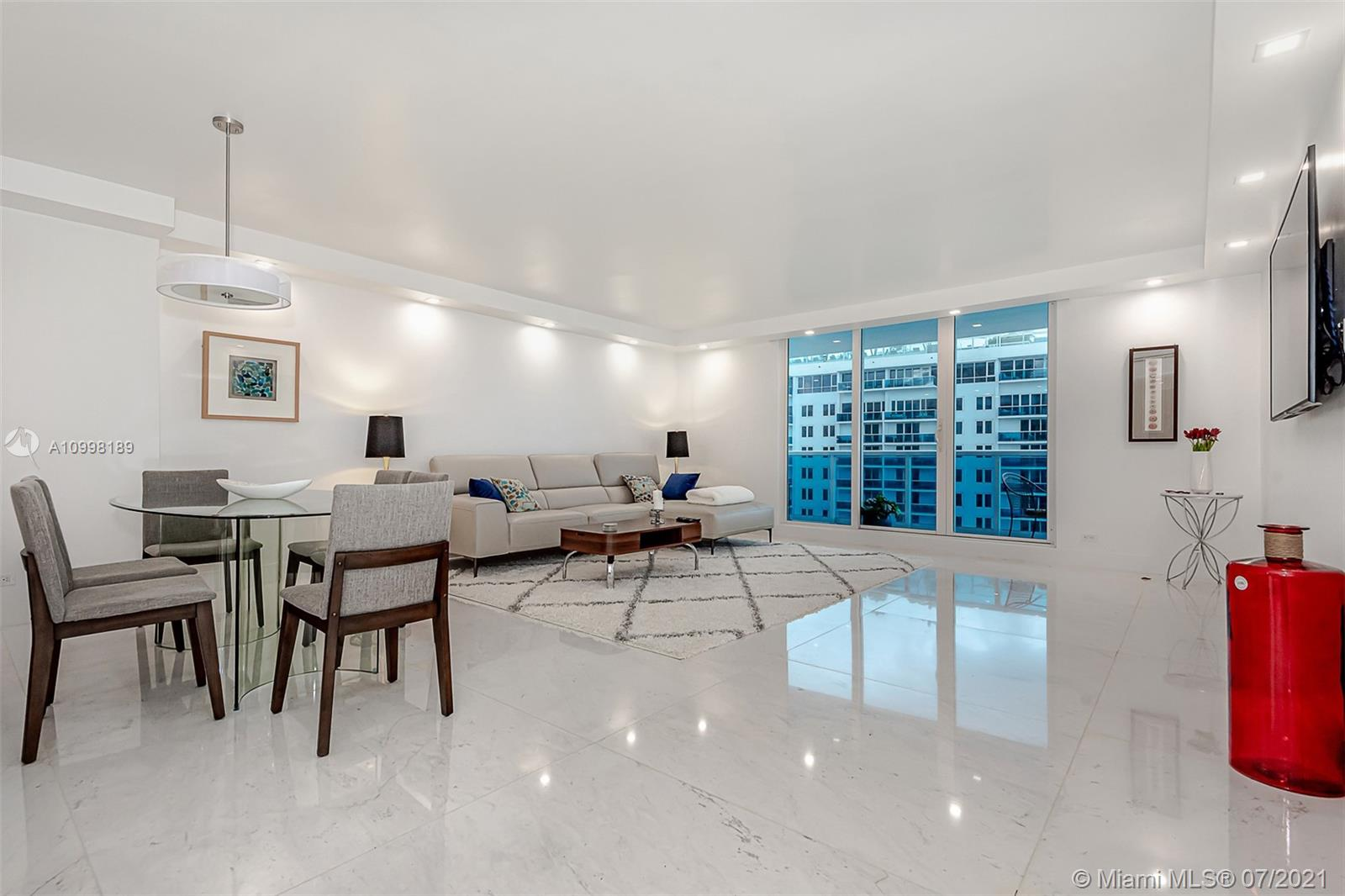 Roney Palace #1410 - 2301 Collins Ave #1410, Miami Beach, FL 33139