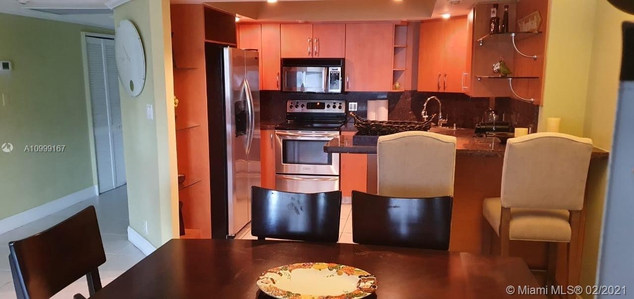 5225 Collins Ave #418 photo04