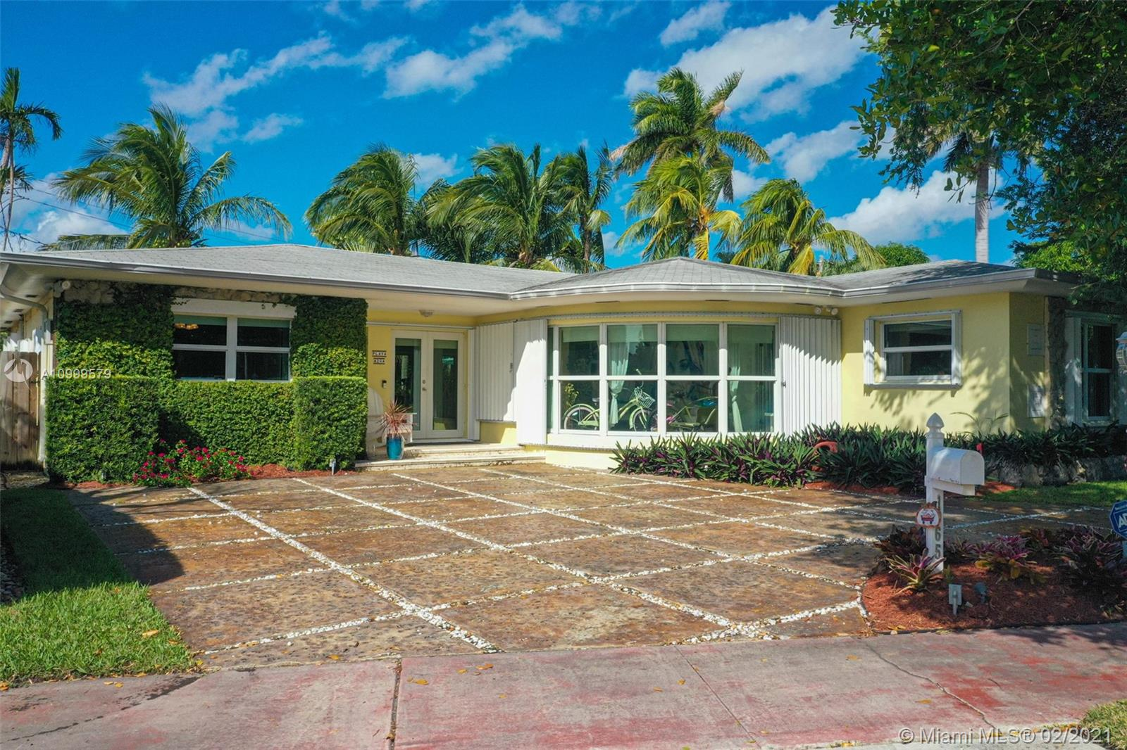 Isle of Normandy - 1065 Fairway Dr, Miami Beach, FL 33141