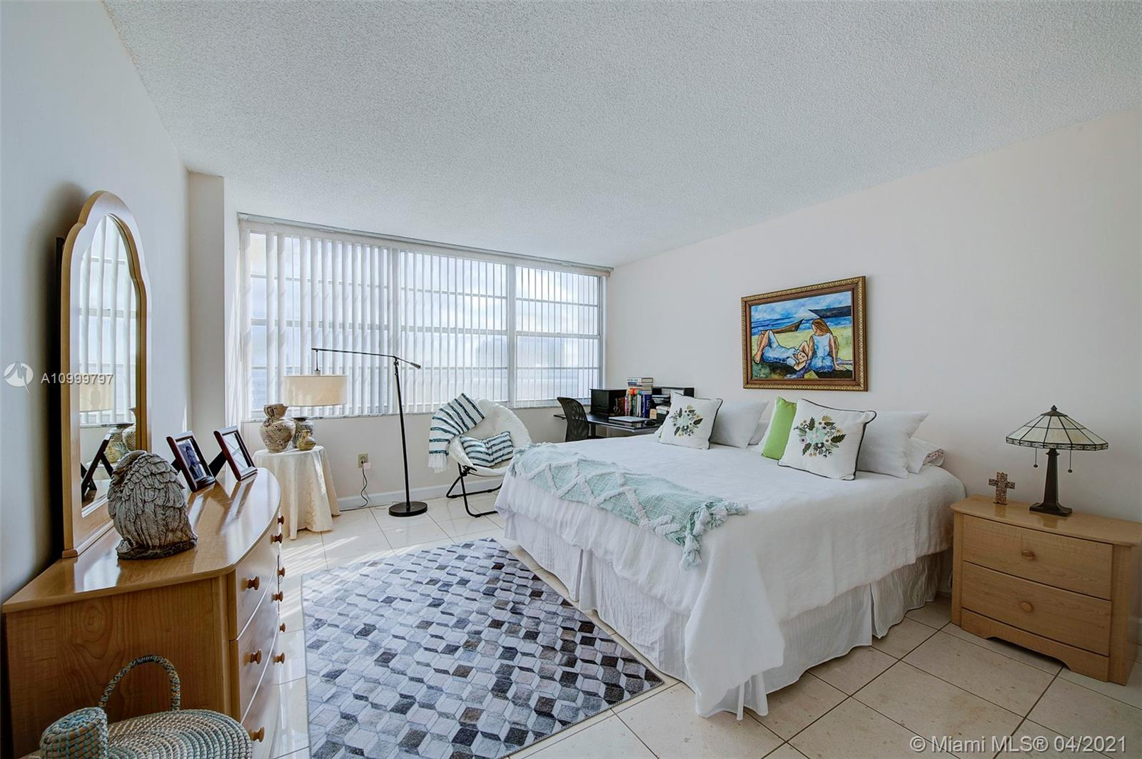 18021 Biscayne Blvd #703 photo04