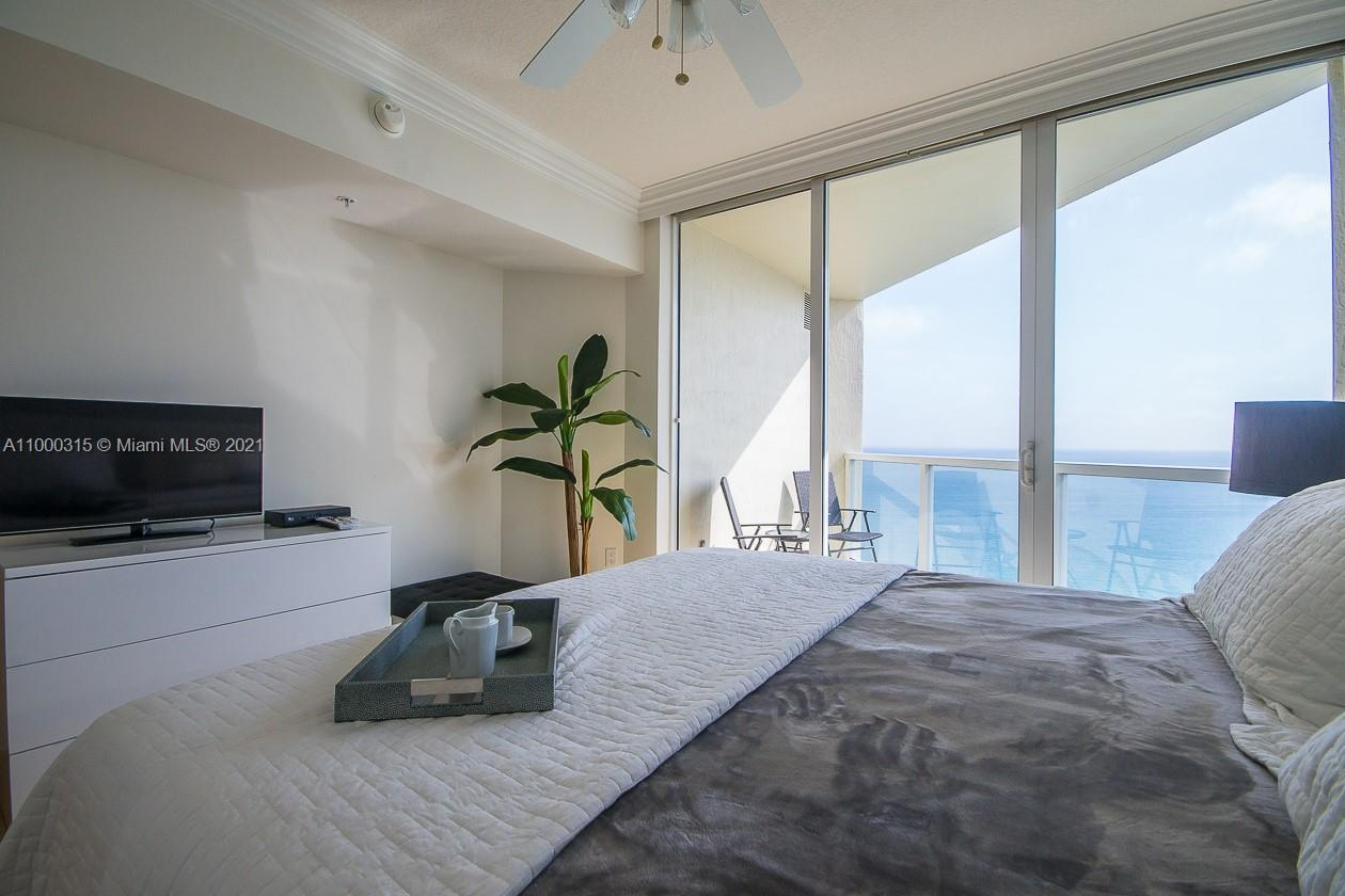 16699 Collins Ave #3110 photo01