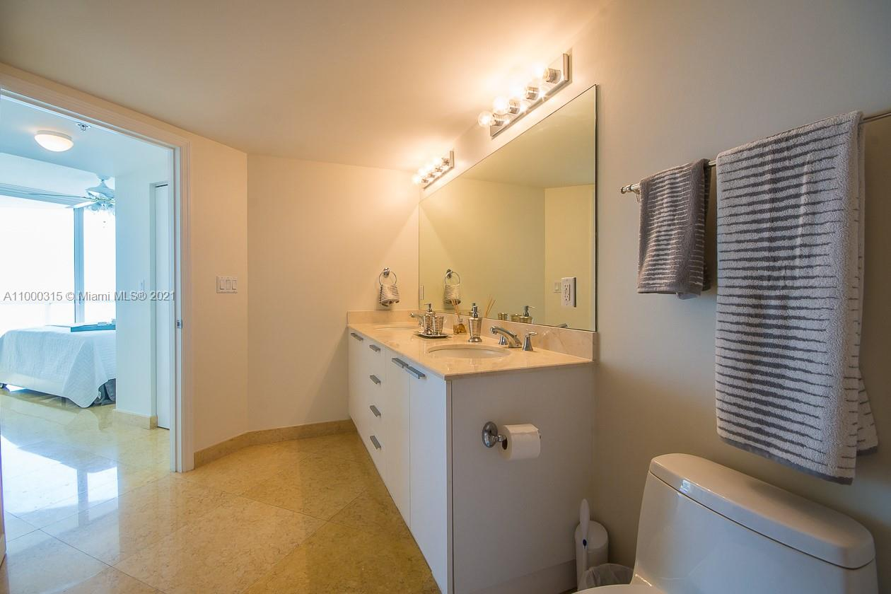 16699 Collins Ave #3110 photo08