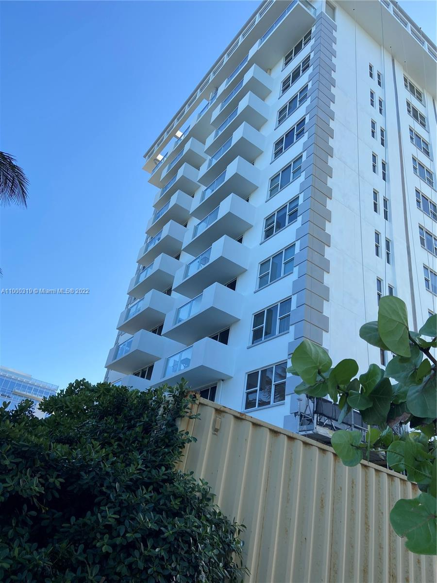 9195 Collins Ave #410 photo01