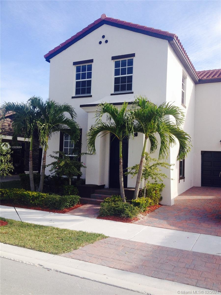 Kendall Commons - 9273 SW 172nd Ave, Miami, FL 33196
