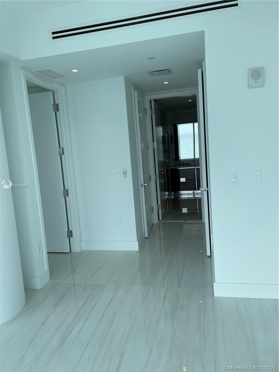 15701 Collins Ave #1204 photo020