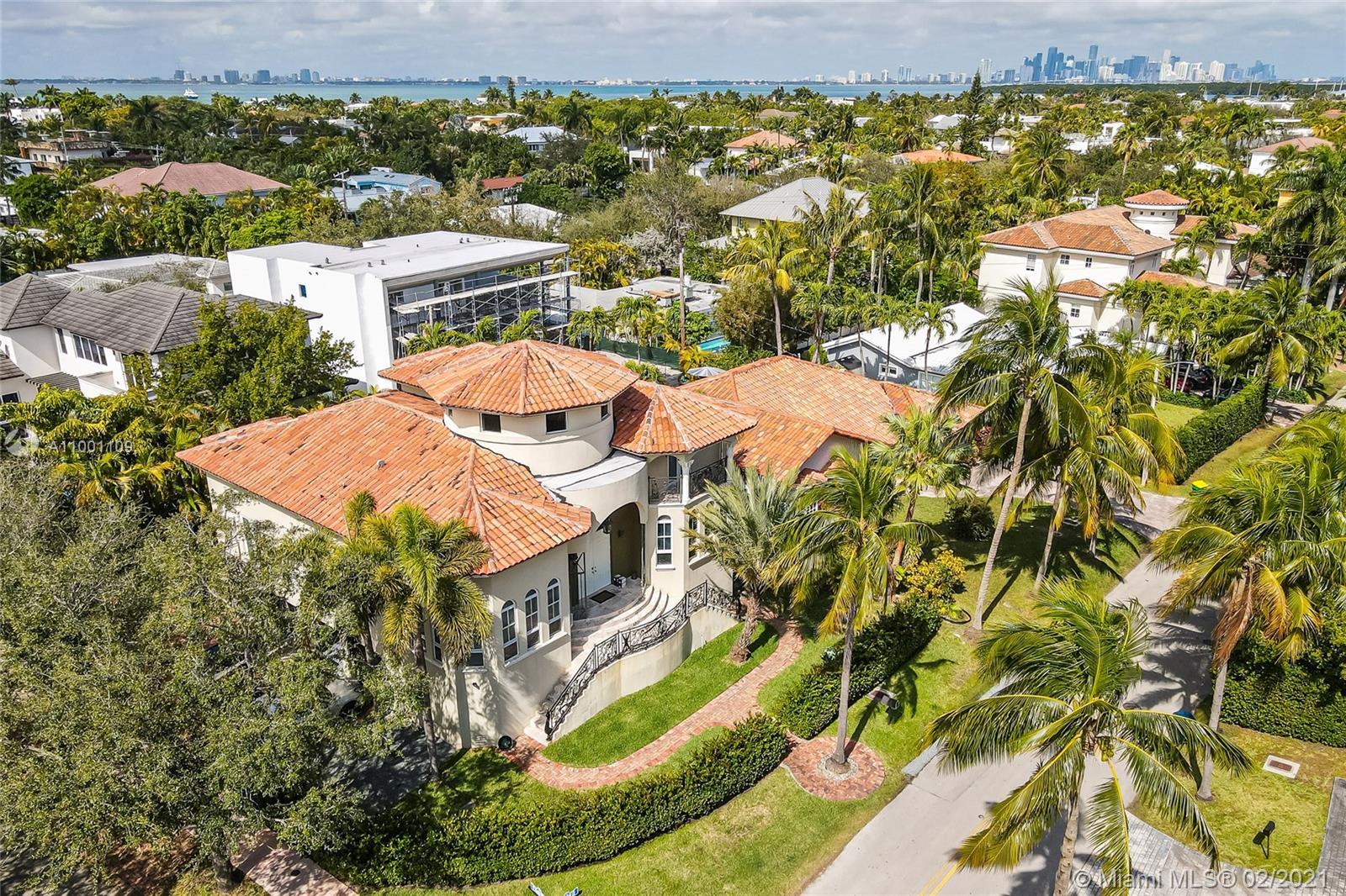 Tropical Isle Homes - 570 Hampton Ln, Key Biscayne, FL 33149