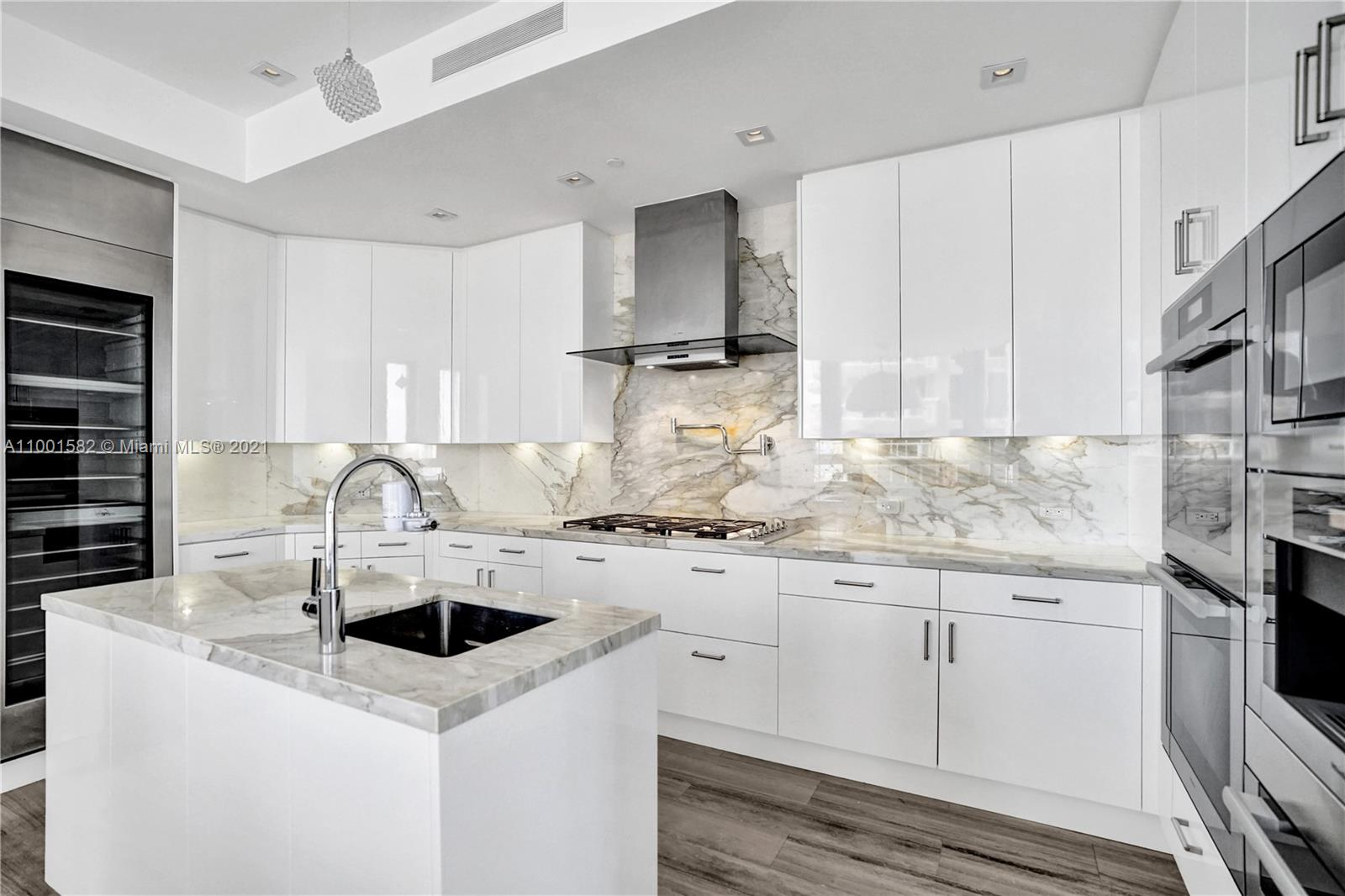 17749 Collins Ave #801 photo018
