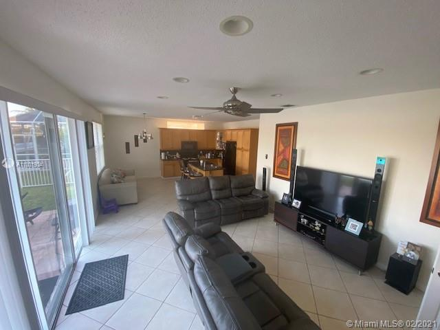5025 SW 155th Ave photo09