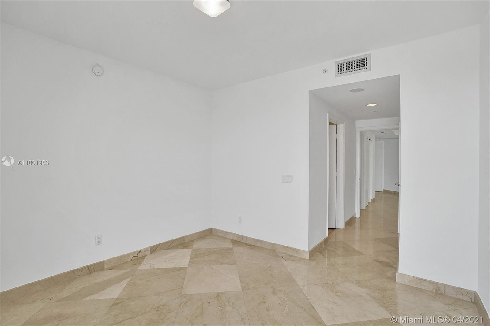 4775 Collins Ave #3403 photo042