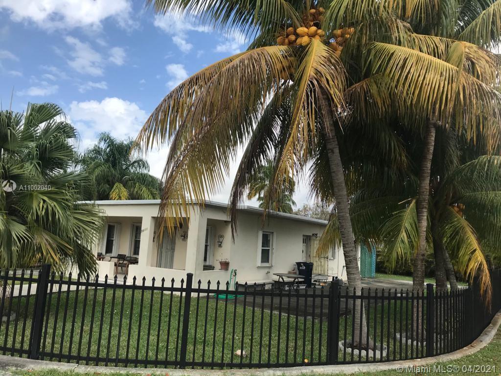 South Miami - 5901 SW 63rd St, South Miami, FL 33143