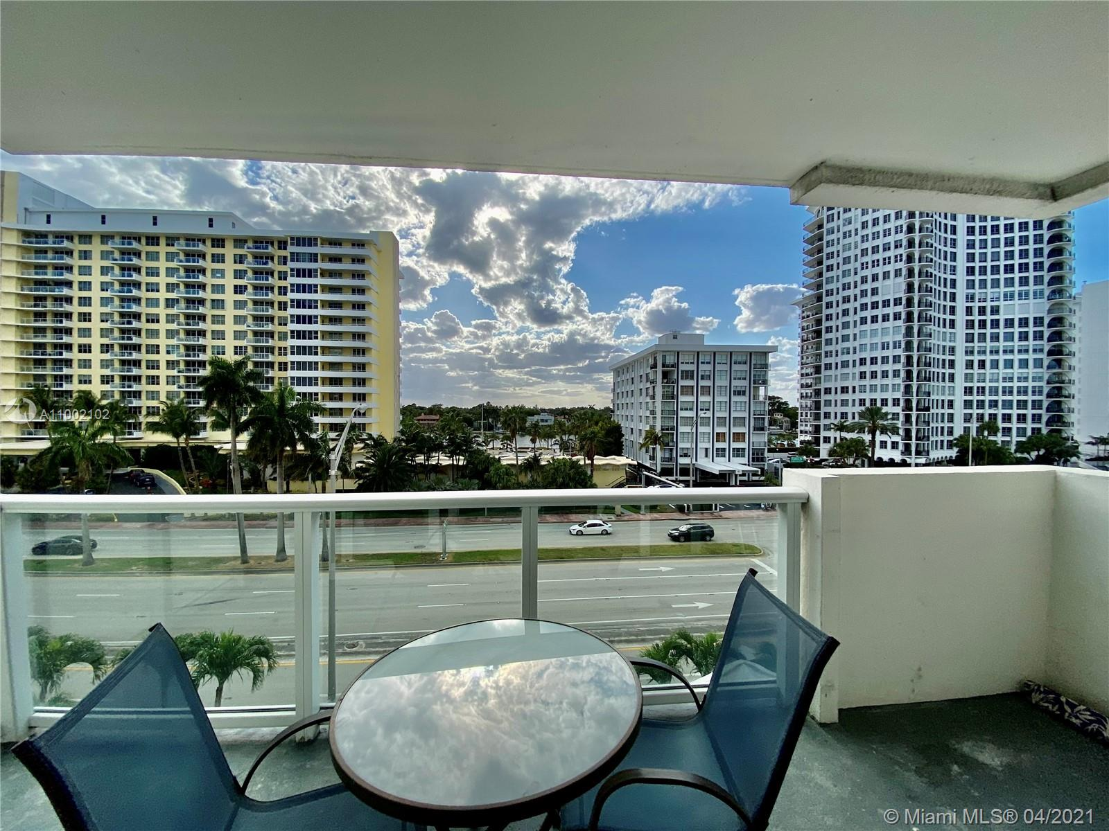 5601 Collins Ave #520 photo01