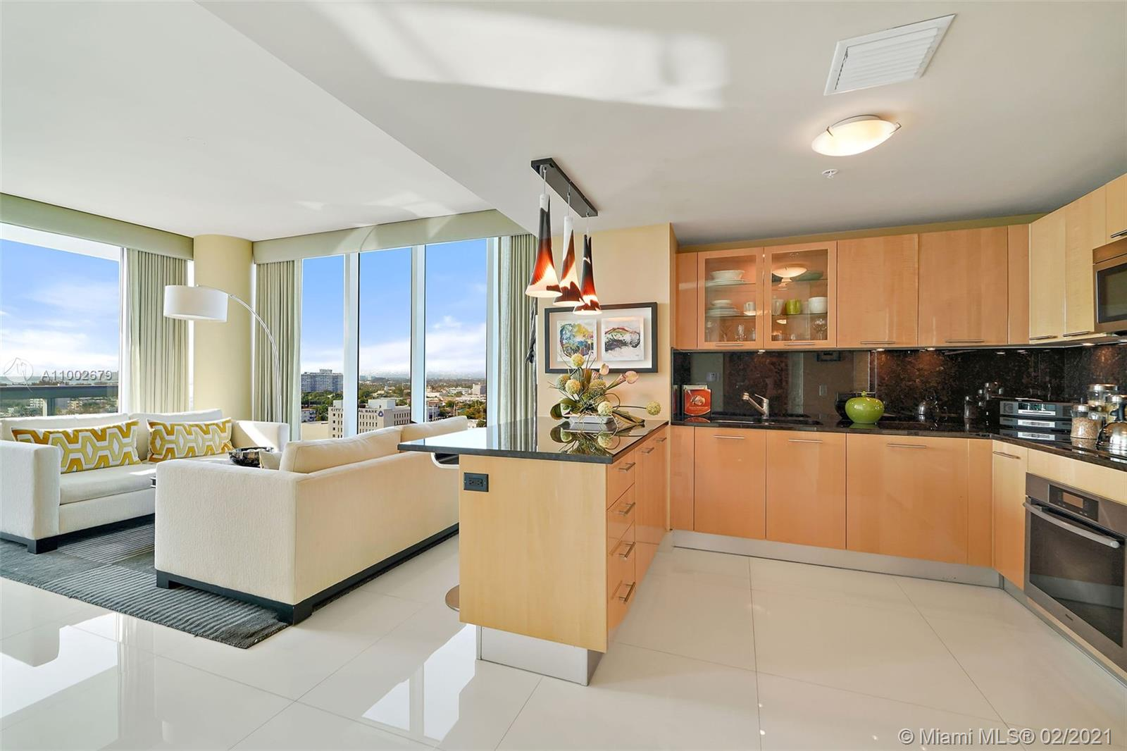 6899 Collins Ave #1404 photo02