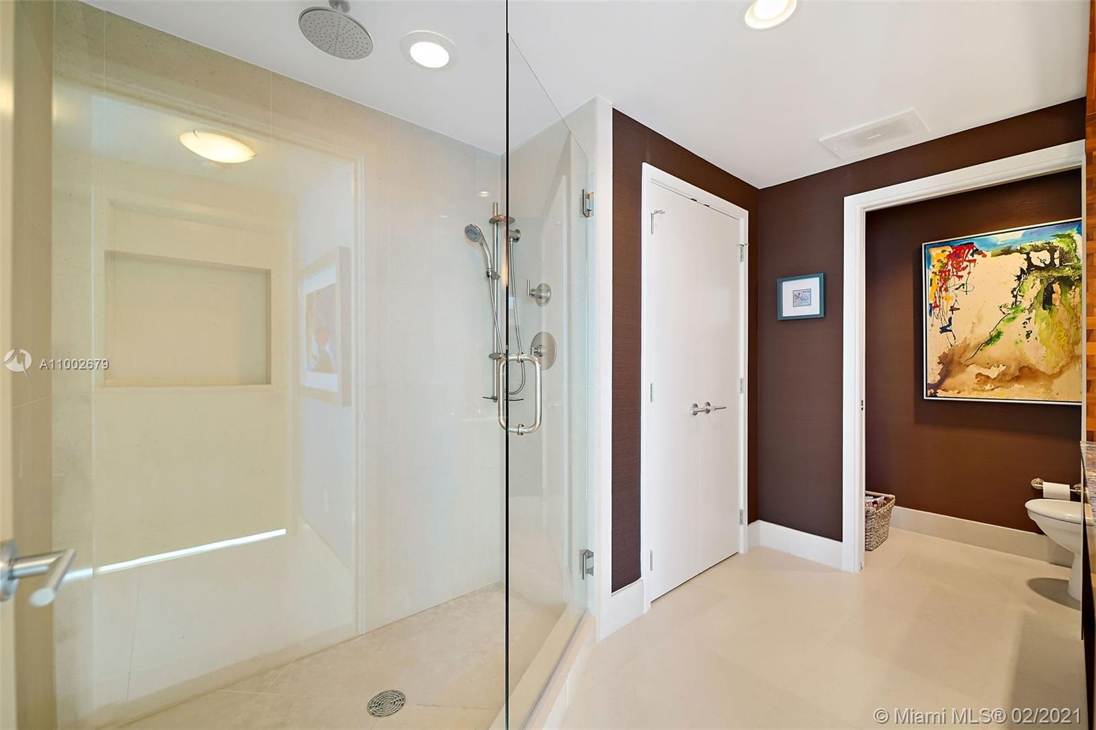 6899 Collins Ave #1404 photo022