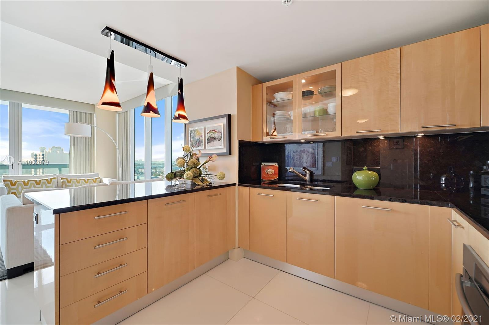 6899 Collins Ave #1404 photo07