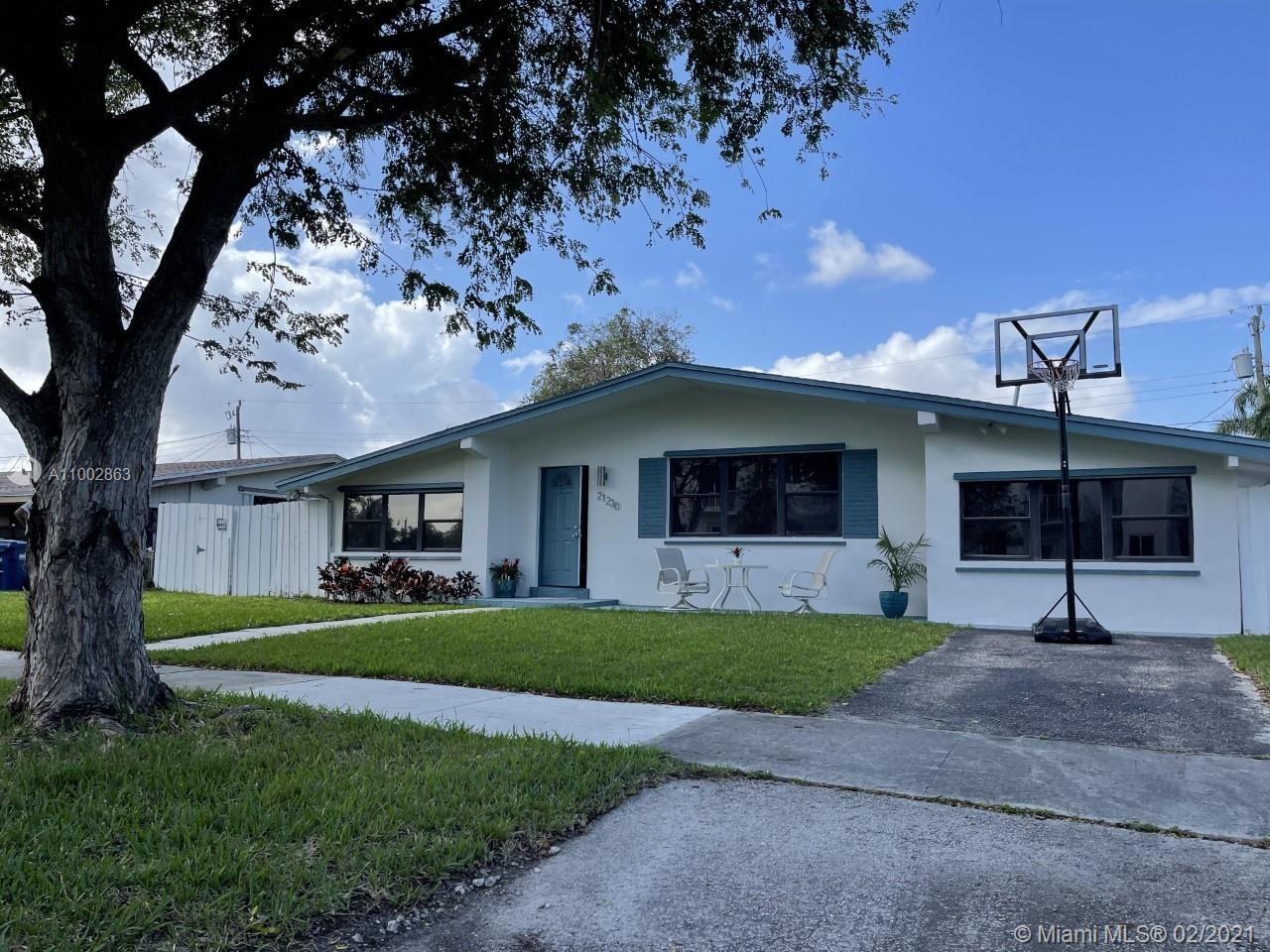 Sunswept Isle - 21230 NE 26th Ave, Miami, FL 33180