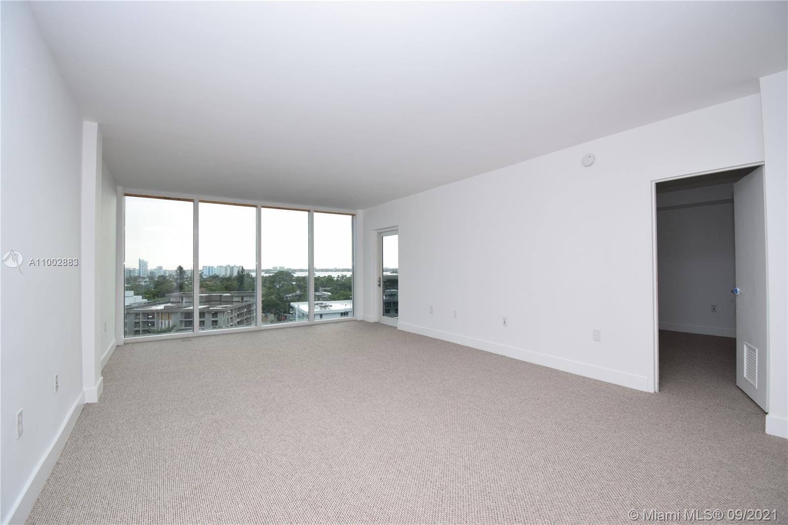 10275 Collins Ave #728 photo03
