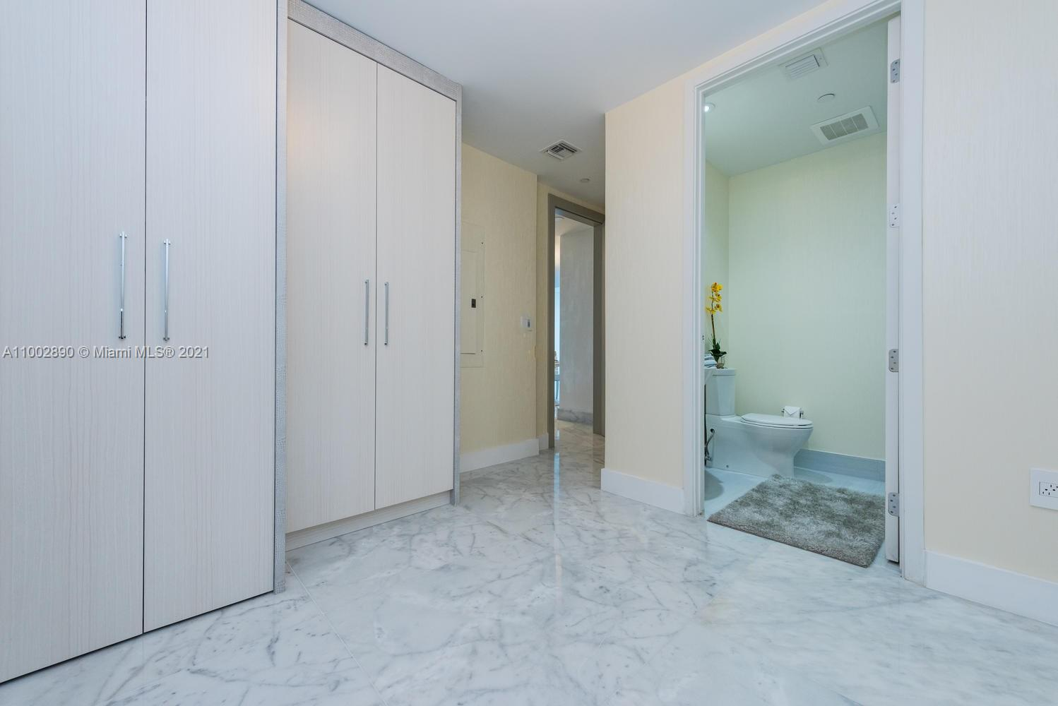17475 Collins Ave #1002 photo028