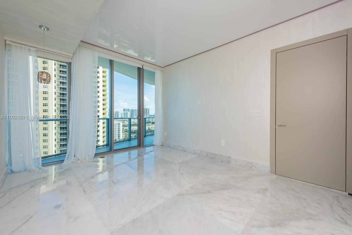17475 Collins Ave #1002 photo019