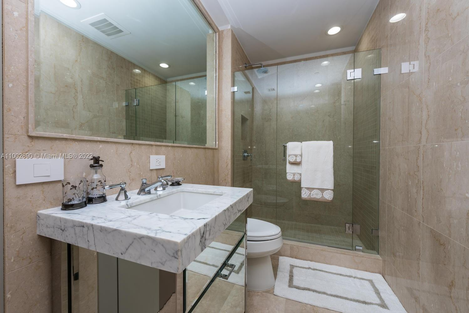 17475 Collins Ave #1002 photo031