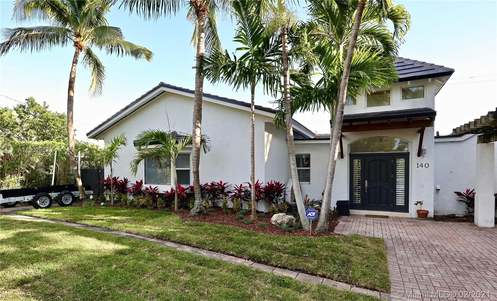 Biscayne Key Estates - 140 W Mashta Dr, Key Biscayne, FL 33149