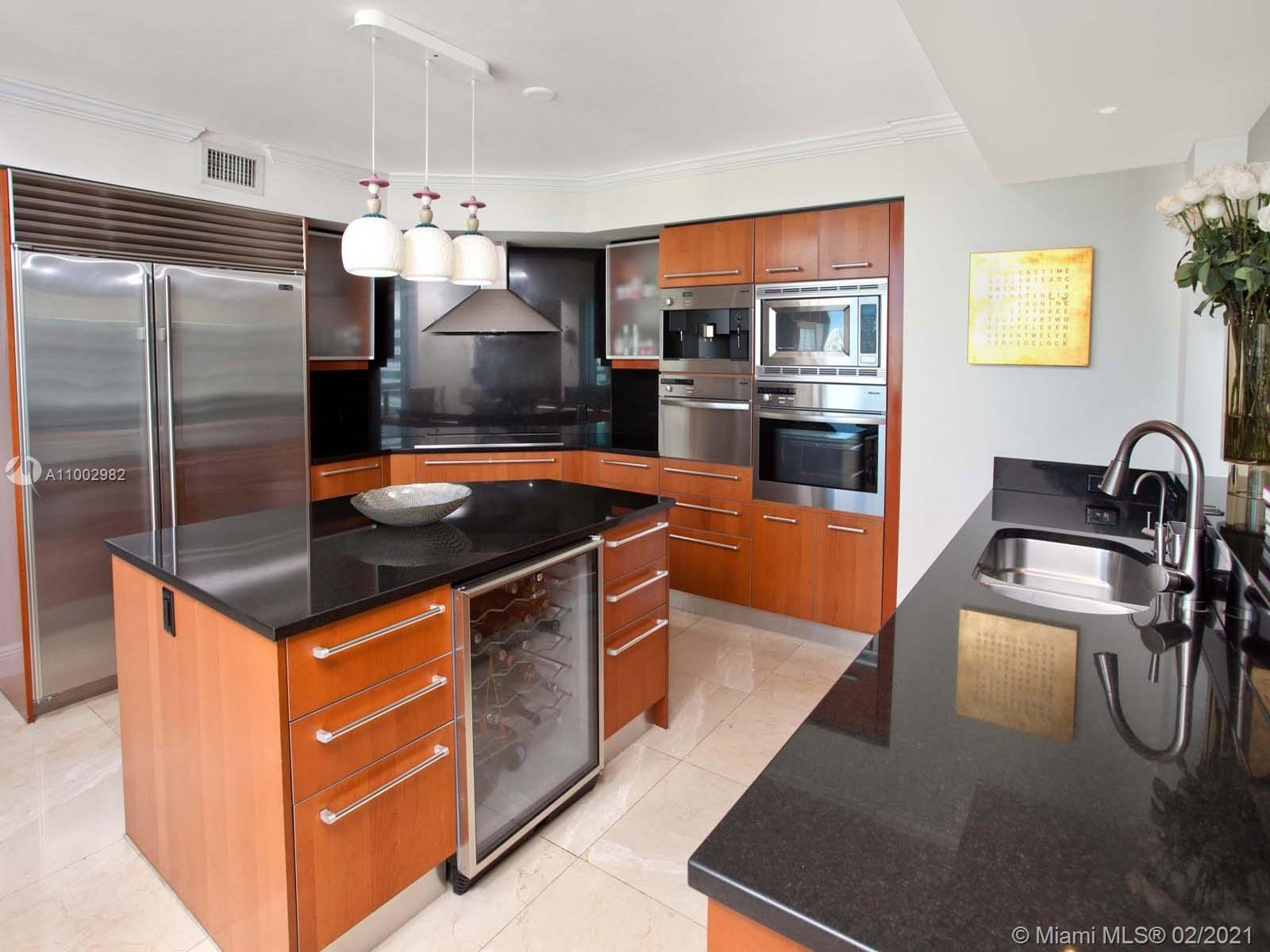 1331 Brickell Bay Dr #3701 photo019