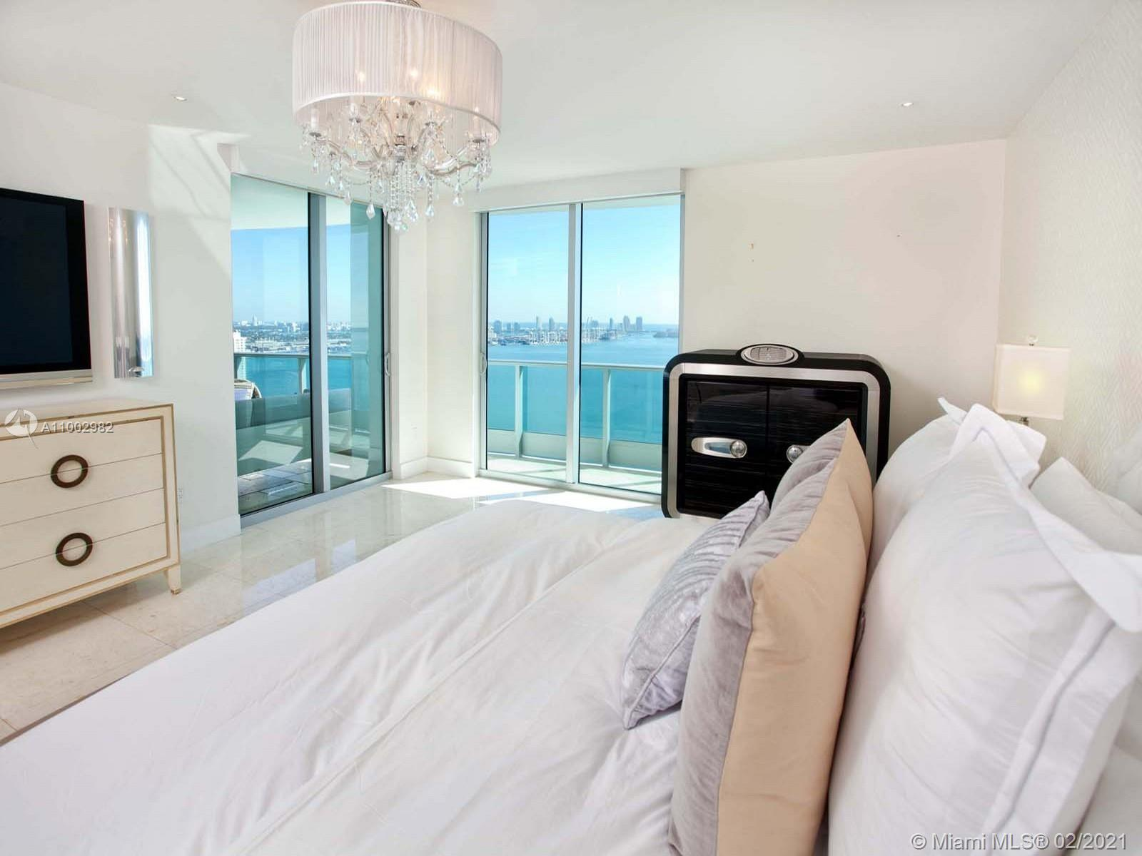 1331 Brickell Bay Dr #3701 photo04
