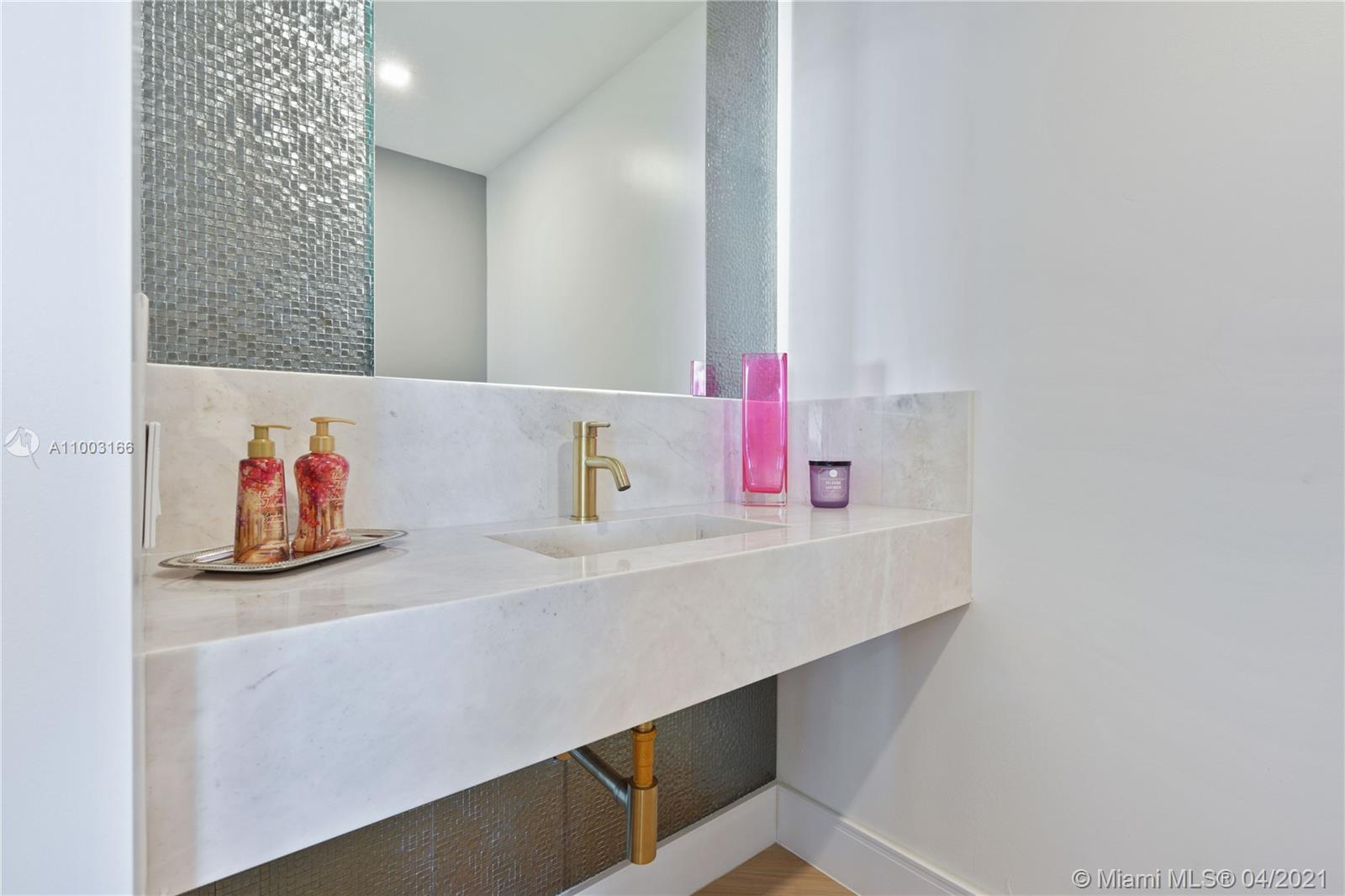 888 Brickell Key Dr #1207 photo023