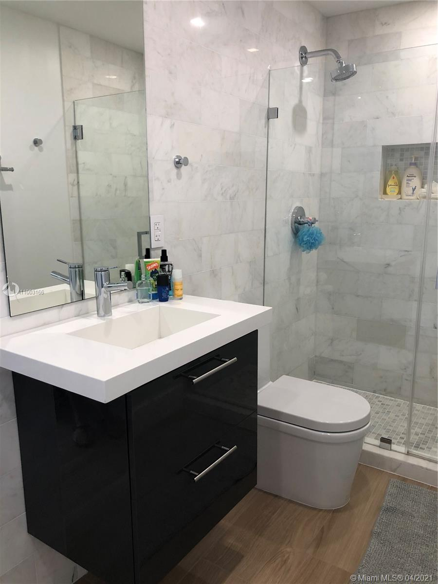 888 Brickell Key Dr #1207 photo022