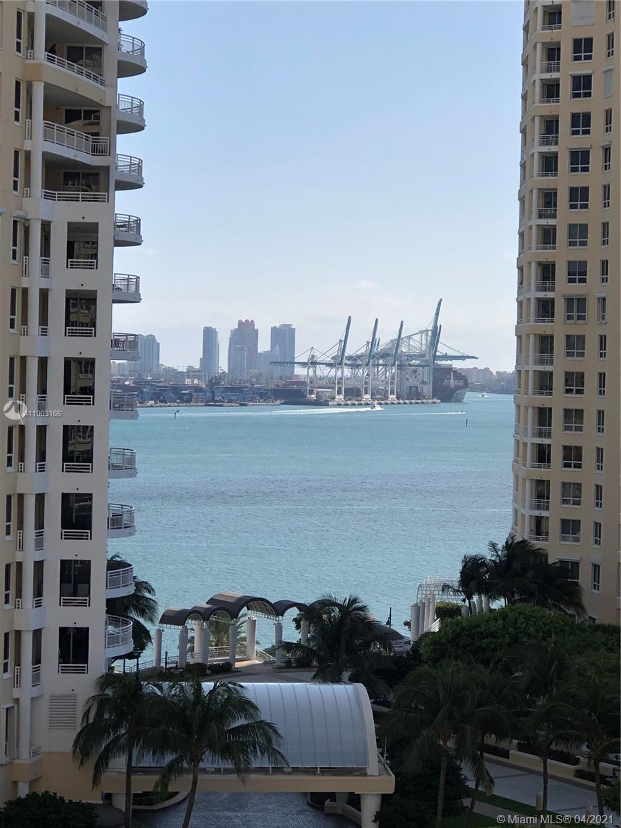 888 Brickell Key Dr #1207 photo03