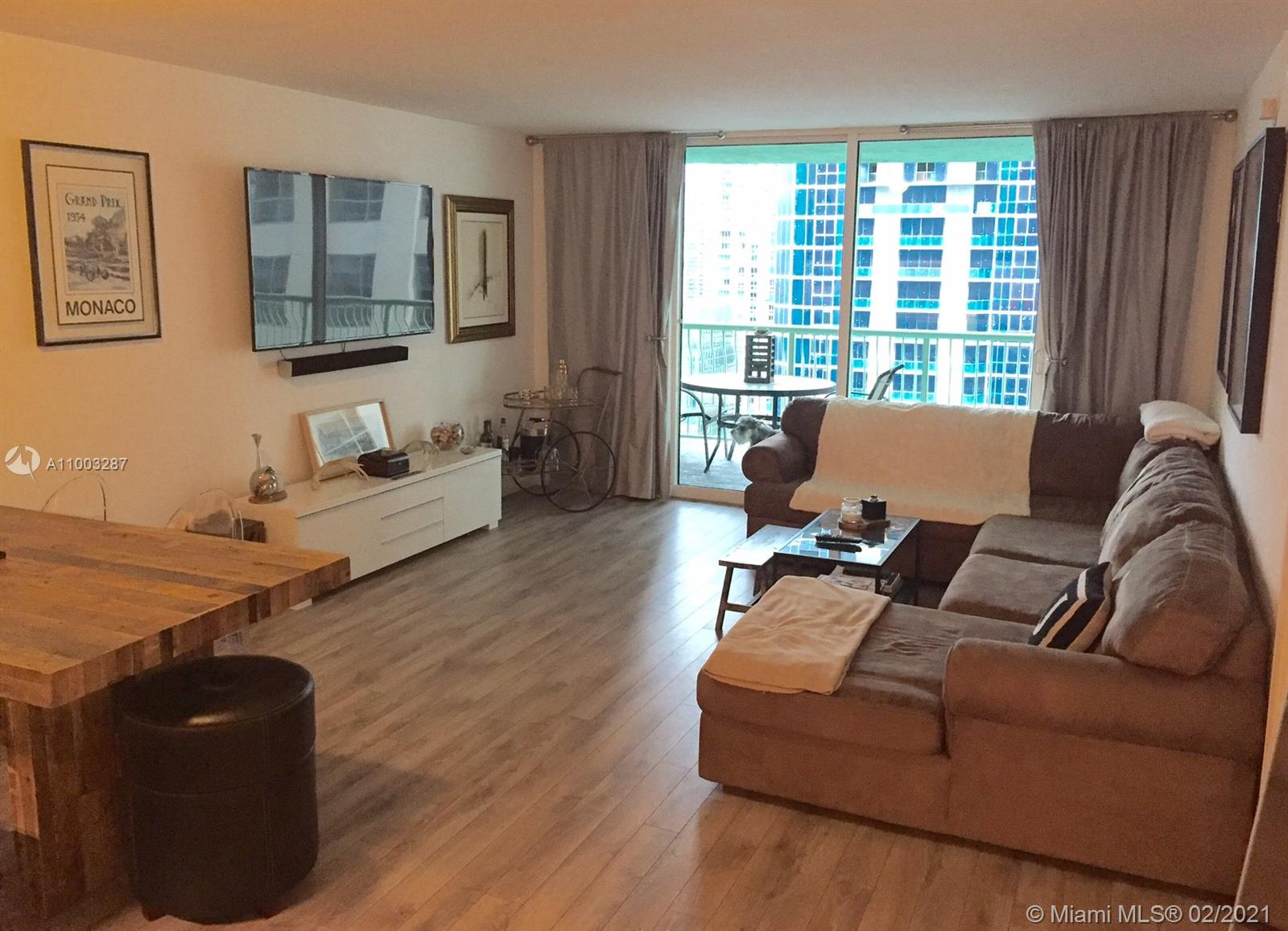 Club at Brickell #3118 - 1200 Brickell Bay Dr #3118, Miami, FL 33131