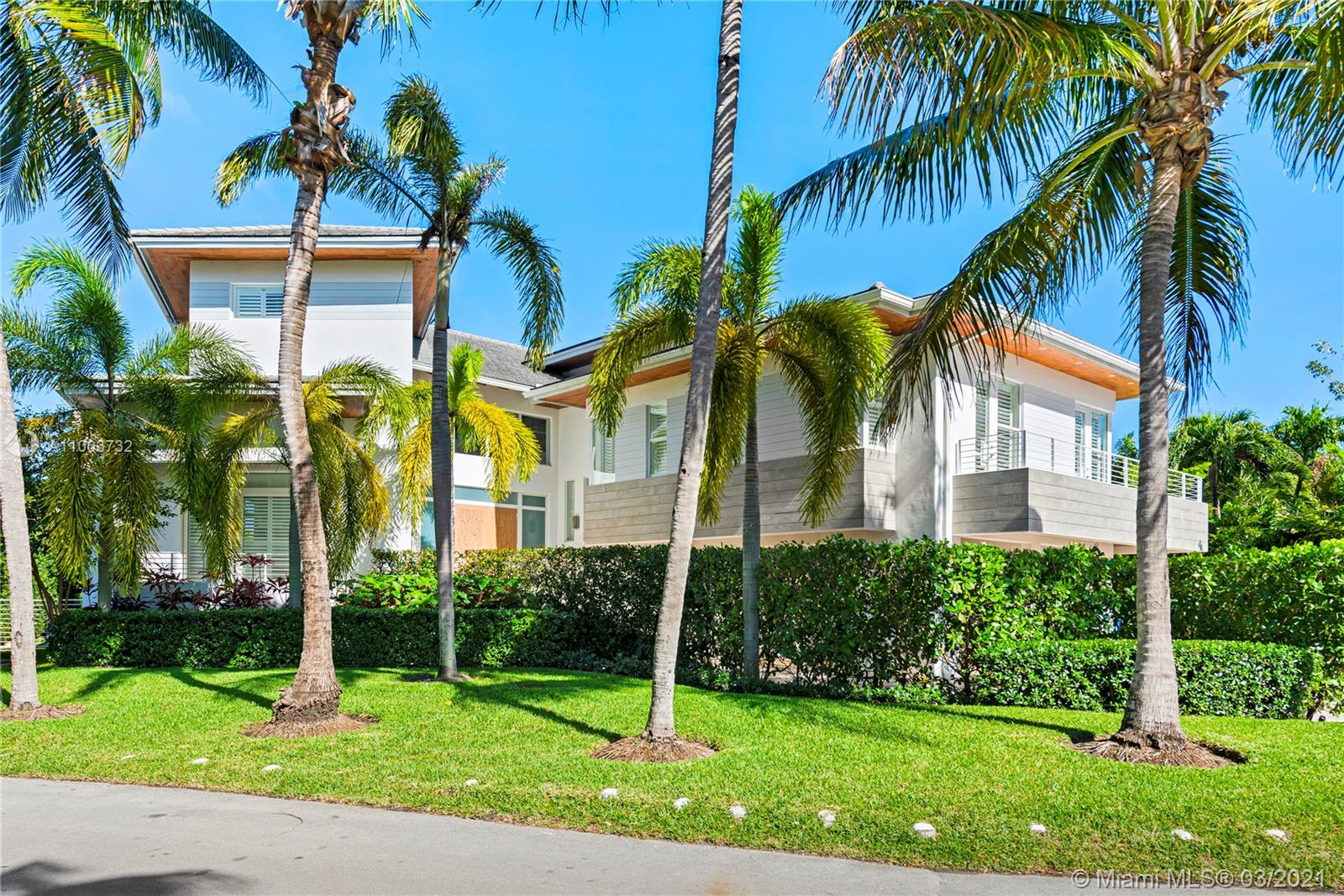 Tropical Isle Homes - 283 HARBOR COURT, Key Biscayne, FL 33149