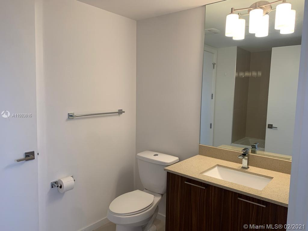 5252 NW 85th Ave #1101 photo010