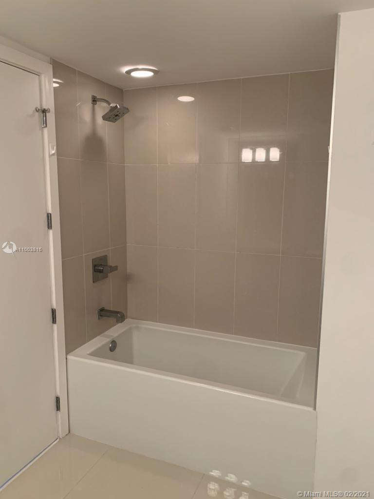 5252 NW 85th Ave #1101 photo011