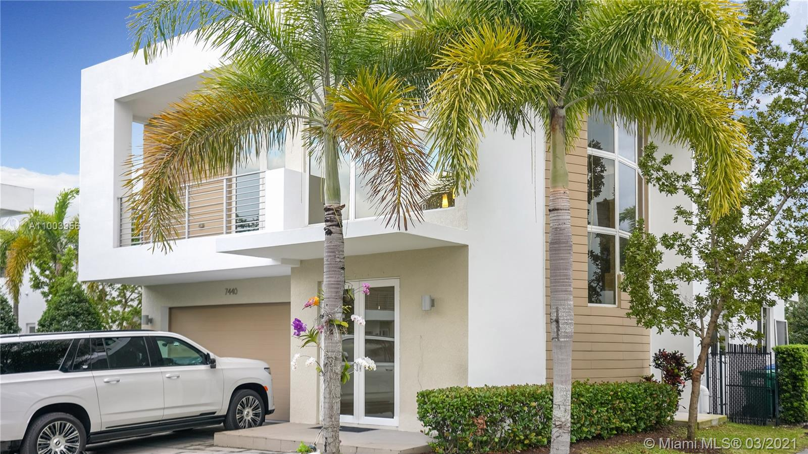 Doral Commons Residential - 7440 NW 98th Ct, Doral, FL 33178