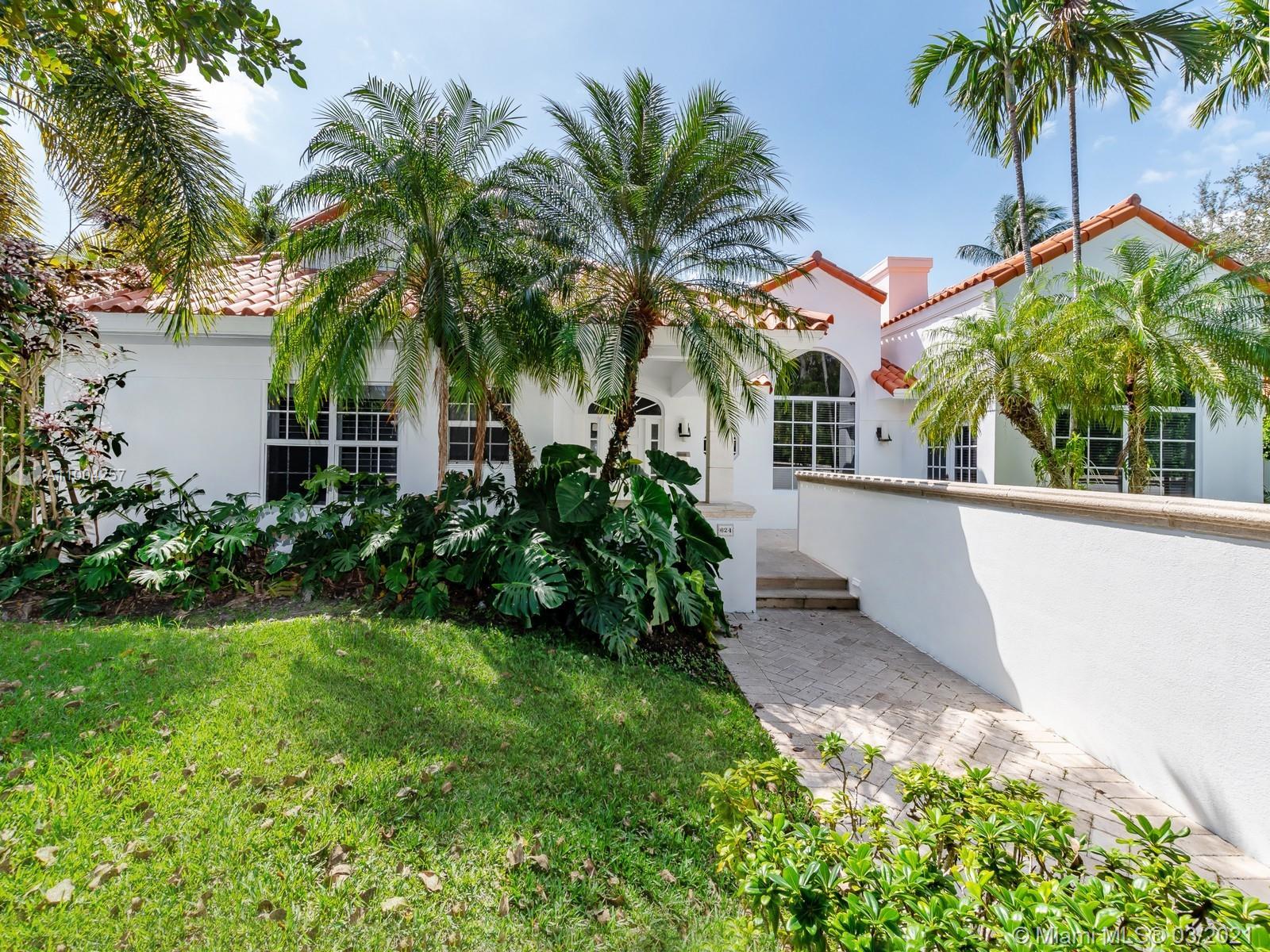 Biscayne Key Estates - 624 Curtiswood Dr, Key Biscayne, FL 33149